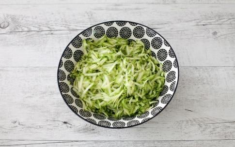 Preparazione Torta salata alle zucchine e fagiolini  - Fase 1