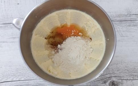 Preparazione Crostata alle ciliegie di Vignola con frangipane alle nocciole - Fase 3