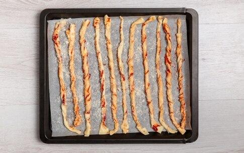 Preparazione Grissini al pomodoro con crema di melanzane - Fase 3