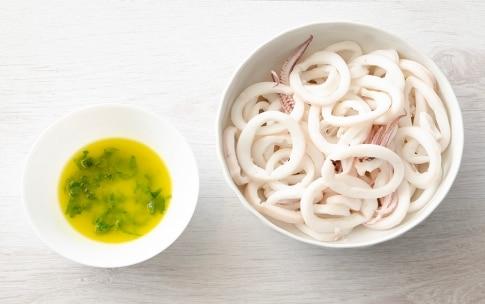 Preparazione Insalata di calamari, verdure e briciole croccanti - Fase 2