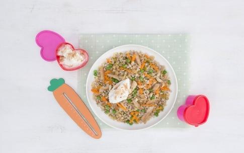 Preparazione Insalata di farro, orzo e legumi con straccetti di pollo e verdure - Fase 3