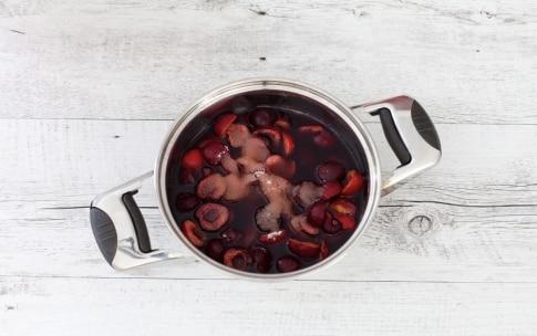 Preparazione Pavlova con ciliegie di Vignola al vino rosso e crema al mascarpone - Fase 3
