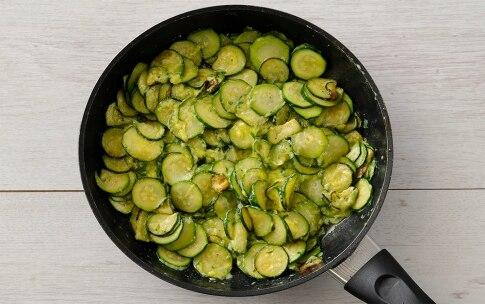 Preparazione Zucchine con uova cremose - Fase 2