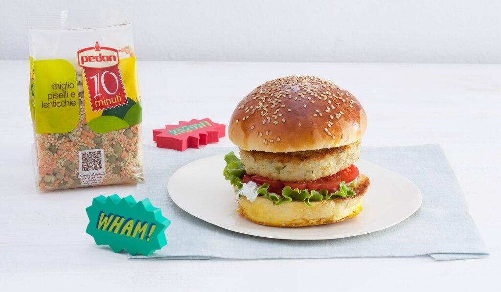 Burger di cereali e legumi con salsa allo yogurt