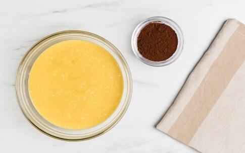Preparazione Ciambellone variegato al cacao  - Fase 1