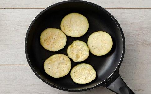 Preparazione Melanzane marinate con capperi e peperoncino - Fase 2