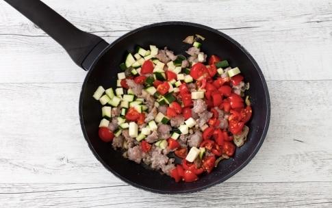 Preparazione Peperoni ripieni di riso, salsiccia e verdure - Fase 2