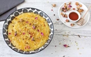 Pudding di riso alle spezie e acqua di rose