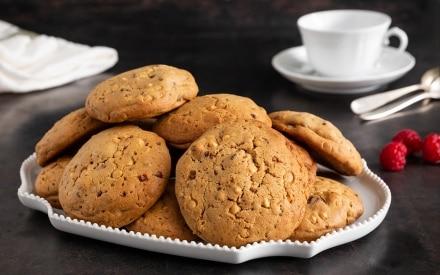 Cookies al cioccolato bianco e lamponi