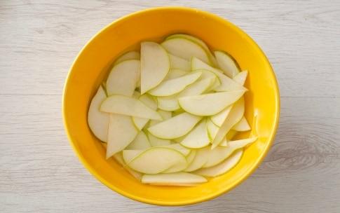 Preparazione Insalata di cetrioli e pere - Fase 2