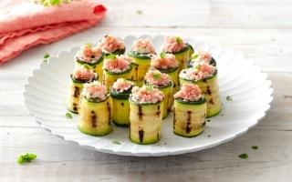 Sushi di zucchine con mousse al parmigiano e...