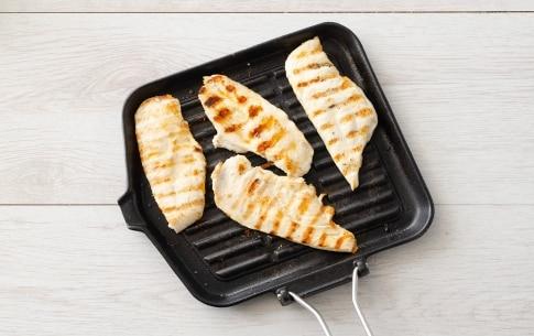 Preparazione Insalata di cereali con pollo e peperoni grigliati - Fase 2