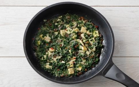 Preparazione Linguine con baccalà, uvetta e cavolo nero - Fase 5
