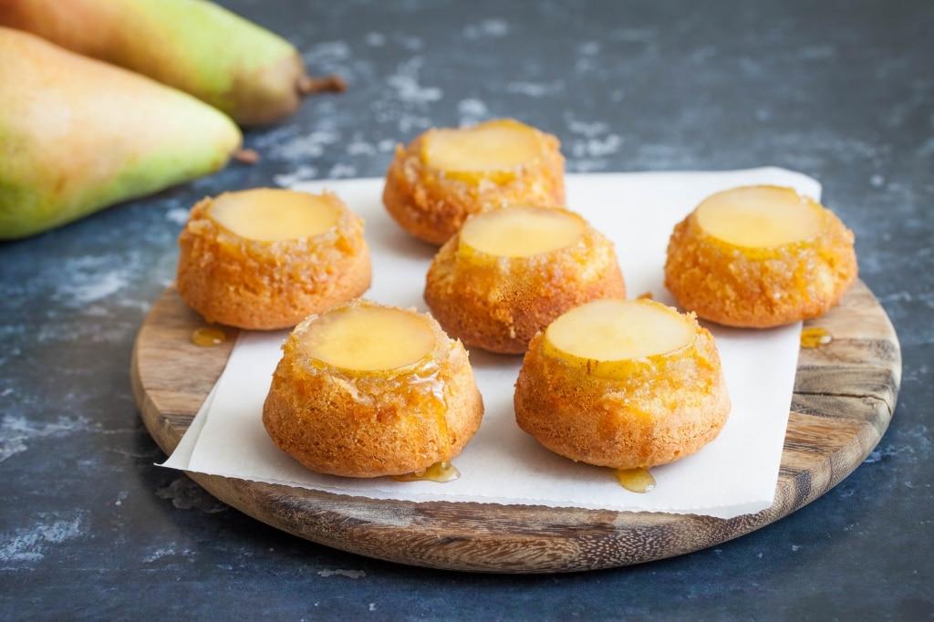 Tortine rovesciate alle pere e cocco