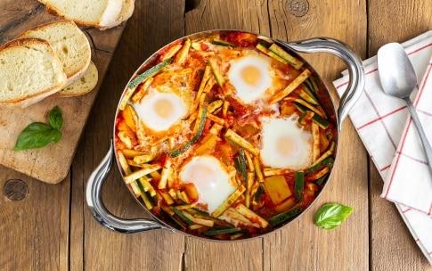 Preparazione Uova affogate con ratatuia di zucchine e peperoni - Fase 3