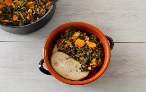 Preparazione Zuppa di cavolo nero con pane toscano - Fase 4