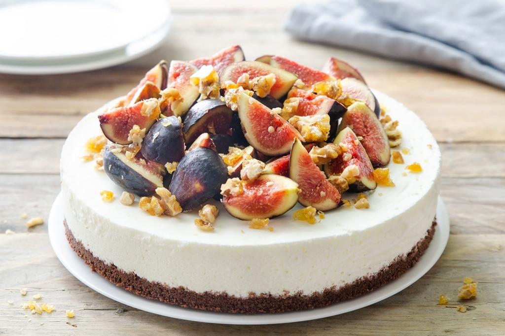 Cheesecake allo yogurt con fichi e noci caramellate