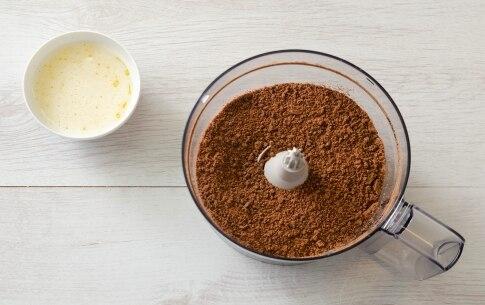 Preparazione Cheesecake allo yogurt con fichi e noci caramellate - Fase 1