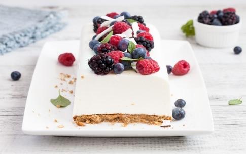 Preparazione Mattonella di yogurt al cocco e frutti di bosco  - Fase 3