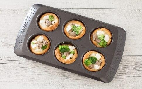Preparazione Mini quiches con mozzarella, salsiccia e broccoli  - Fase 3