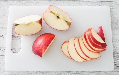 Preparazione Pizzette alle mele e vaniglia - Fase 1