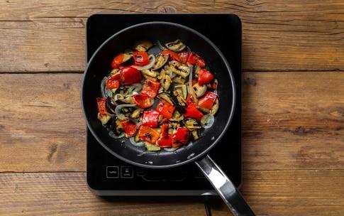 Preparazione Pollo allo zafferano e verdure grigliate - Fase 2