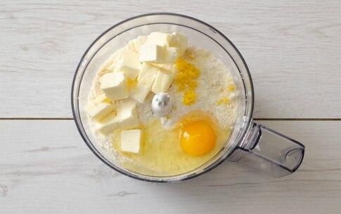 Preparazione Biscotti di vetro con frolla alle mandorle e limone - Fase 1