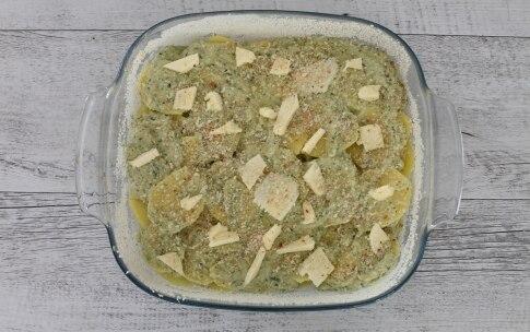 Preparazione Sfogliata di patate al formaggio con erbe aromatiche - Fase 4