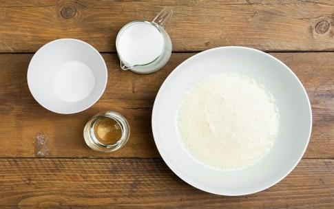 Preparazione Torta al cacao con crema al latte - Fase 1