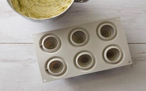 Preparazione Tortine al pistacchio con cioccolato fondente - Fase 3