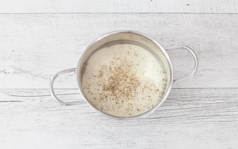 Preparazione Cellentani gratinati al formaggio e acciughe  - Fase 1