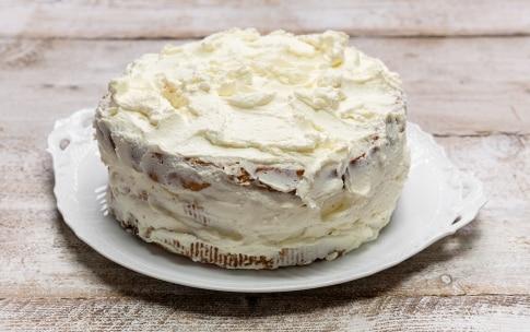Preparazione Christmas cake di panettone - Fase 3