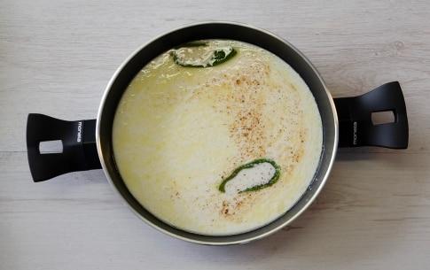Preparazione Gnocchi di castagne alla crema di latte e salvia - Fase 3
