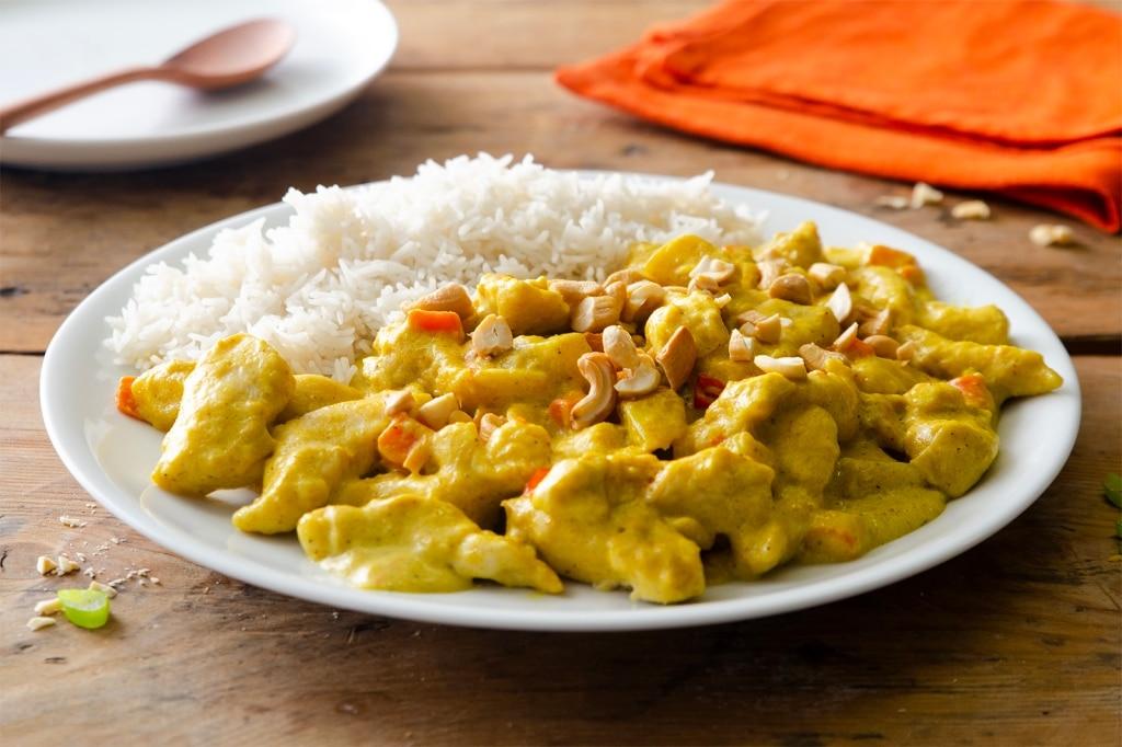 Riso basmati con pollo al curry e latte di cocco