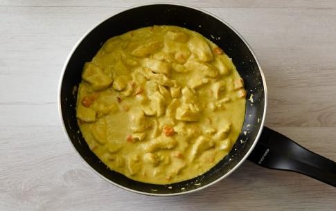 Preparazione Riso basmati con pollo al curry e latte di cocco - Fase 2