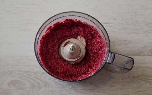 Preparazione Spaghetti di farro al pesto di mandorle e barbabietole - Fase 1