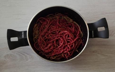 Preparazione Spaghetti di farro al pesto di mandorle e barbabietole - Fase 2