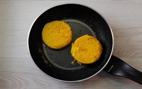 Preparazione Tartine di riso al salto con crescenza e mazzancolle - Fase 2