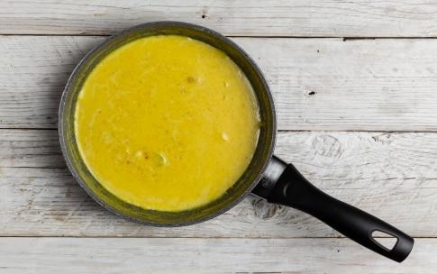 Preparazione Triangoli di pasta fillo con pollo alle erbette e salsa al curry  - Fase 1