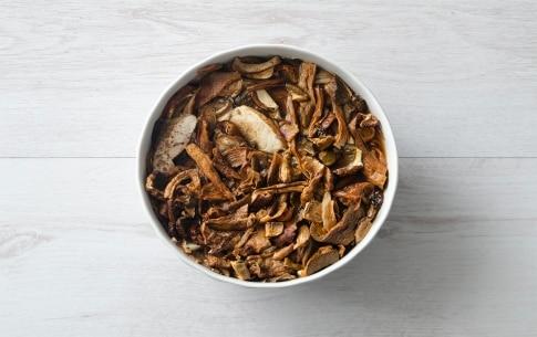 Preparazione Zuppa di farro con porcini e castagne - Fase 1