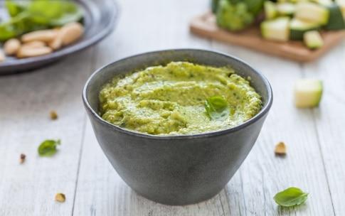 Preparazione Pesto di zucchine con il Bimby - Fase 3