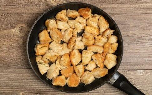 Preparazione Petti di pollo al latte - Fase 2