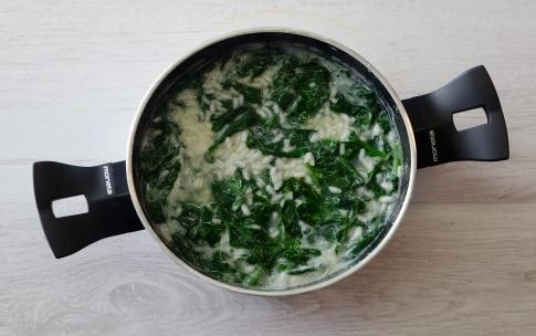 Preparazione Spanakopita con riso e spinaci - Fase 1