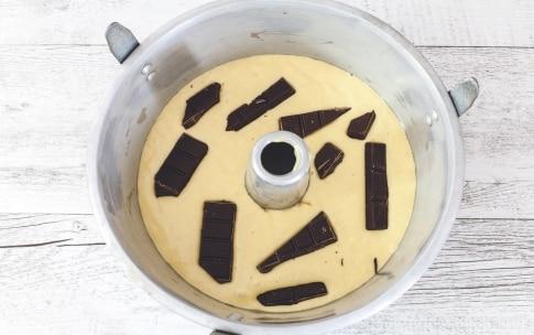 Preparazione Torta con tavolette di cioccolato - Fase 2