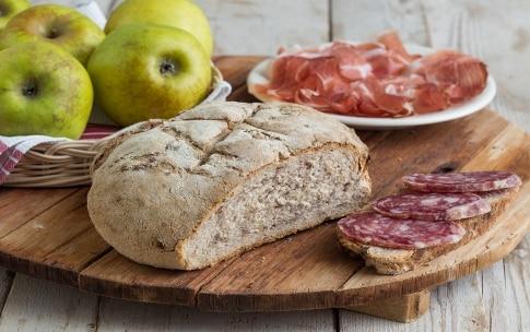 Preparazione Pane alle mele e noci - Fase 6