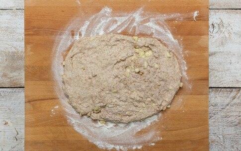 Preparazione Pane alle mele e noci - Fase 4