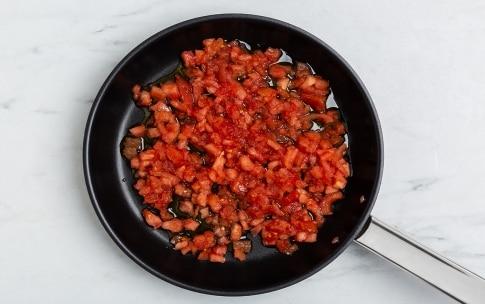 Preparazione Pasta facile con tre ingredienti - Fase 1