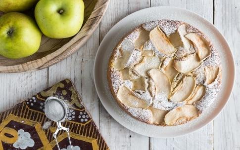Preparazione Torta sette vasetti alle mele - Fase 5