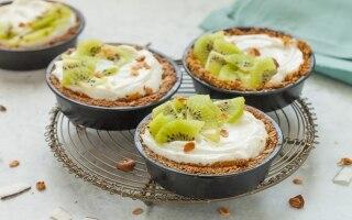 Tartellette di granola al kiwi