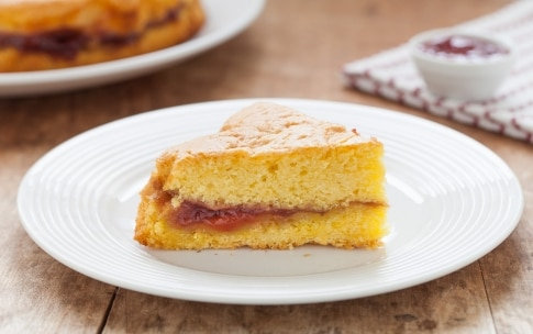 Preparazione Torta versata alla marmellata - Fase 4